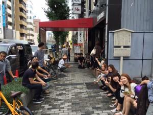 AM9:00黒猫カフェ前に集合